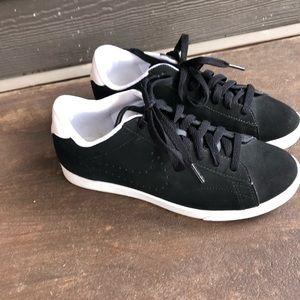 Nike brushed leather black trainers size 7 EUC